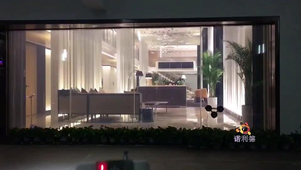调光膜街道阻隔玻璃墙